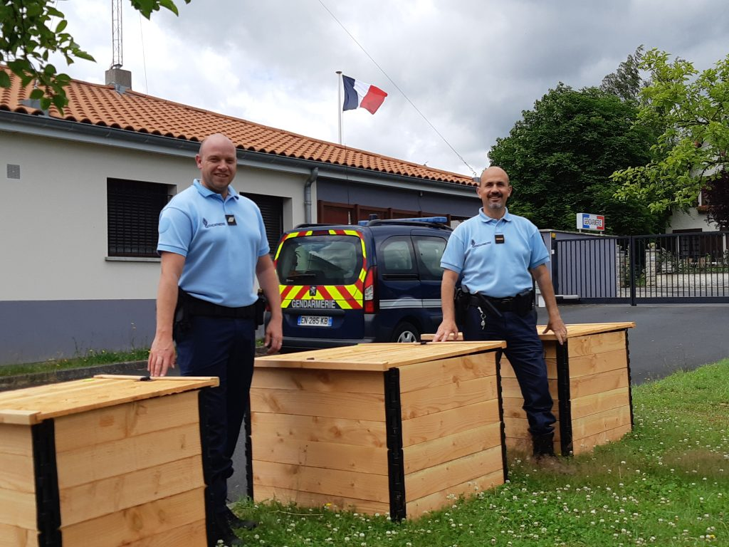 Installation d'un composteur à la gendarmerie de Pontaumur